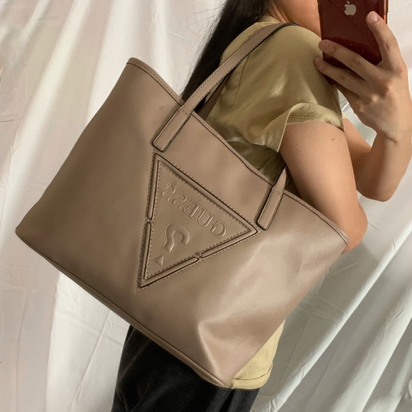 NWT GUESS Large Tote with Travel Pouch